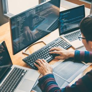 Desenvolvimento de software sob medida